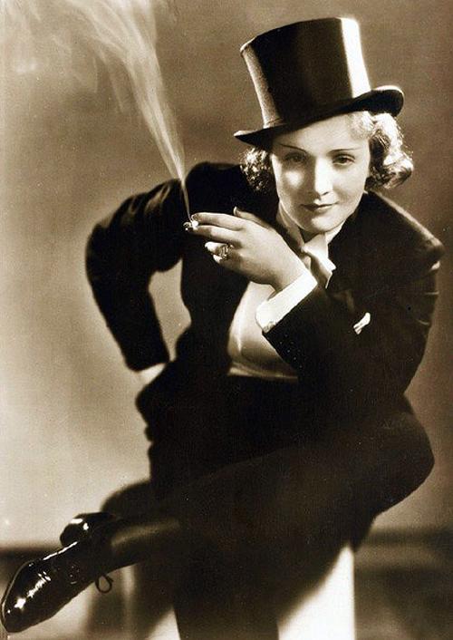 Marlene Dietrich szmokingban