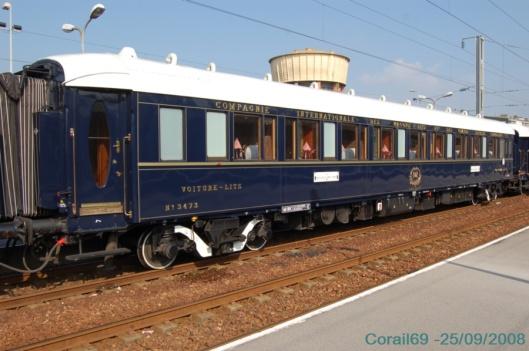 voiture-lits_luxus_train_bleu